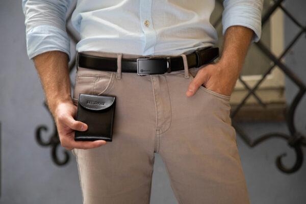 Skórzany pasek i męskie etui na karty i dokumenty